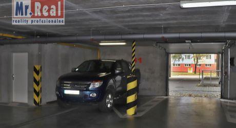 Priestranné garážové státie 19 m2 vo výbornej lokalite, Petržalka - Švabinského