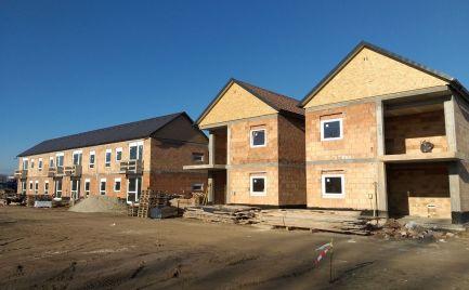 Predáme novostavbu 3-izb.bytu v Maďarskej Rajke s balkónom a parkovacím státím za vynikajúcu cenu.