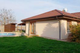 PREDAJ – Veľmi pekný,  kompletne zariadený 5-izbový rodinný dom s bazénom a krbom, - Tureň, okr. Senec