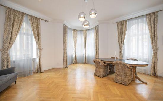 ARTHUR - exkluzívny 4-izb. byt, BA I.- Staré mesto - Kozia ul. s parkovaním - PRENÁJOM