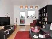 Predaj veľkého 2 - izb. bytu s dvomi loggiami v Dúbravke na Drobného ul.