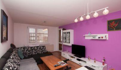 APEX reality Vám ponúka priestranný 4 izbový byt po rekonštrukcii s presklennou loggiou, Zelenečská TT