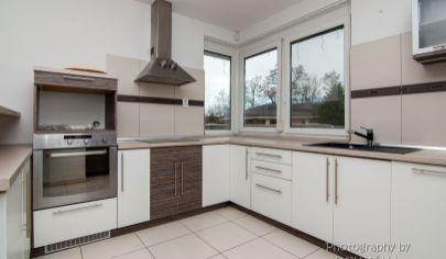 APEX reality Vám ponúka príjemný 4 izbový dom v obci Zvončín