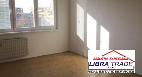 Predaj pekný veľký 3-izb byt čiastočná rekonštrukcia ŠURANY ul.MDŽ.