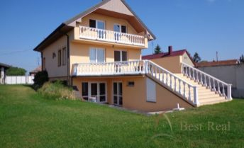 Best Real - rodinný dom v Lehniciach, priestranný pozemok 1399m2, podlahová plocha 150m2, všetky IS