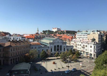 DELTA - Polyfunkčná budova na prenájom, Námestie SNP, Bratislava