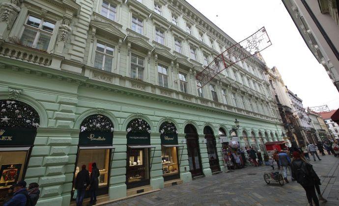 3-izbový zariadený byt 115 m2, Panská ulica, pešia zóna, s výťahom, po rekonštrukcii