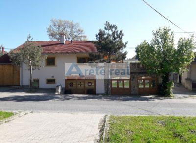 Areté real, Prenájom 100 m2 priestorov vhodných na obchod, kanceláriu alebo sklad v blízkosti centra Pezinka