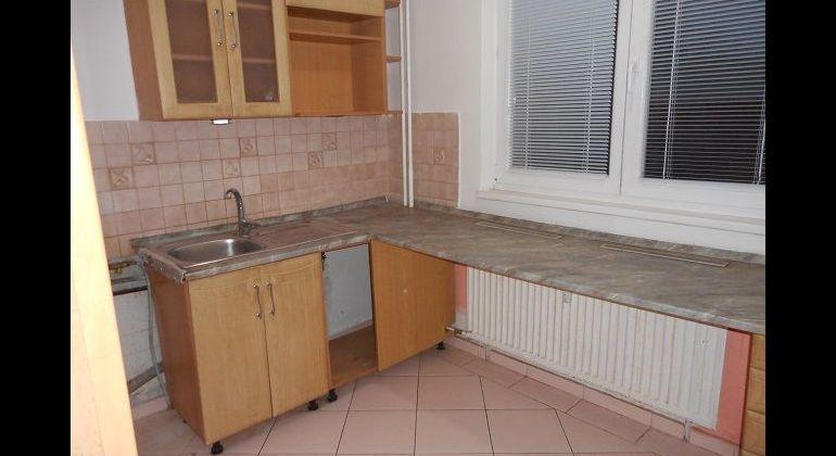 Halalovka, 2-izb. čiastočne rekonštruovaný byt, 49 m2