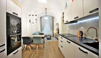 NÁDHERNÝ dizajnový 2-izb. byt priamo PRI DÓME SV.ALŽBETY, HLAVNÁ ul. / CENTRUM - Staré Mesto