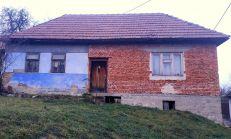 PREDAJ, RD+hospodárska budova, Černochov vrch, 2400 m2