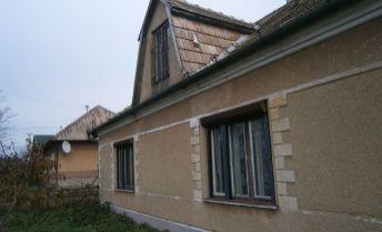 Znížená cena!!! Vidiecky dom s veľkým pozemkom na predaj v obci Dubník - exkluzívne u nás .