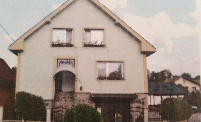 Exkluzívna ponuka !!! Na predaj 7 izbový rodinný  a apartmánovy dom v kúpeľnej obci Podhájska.