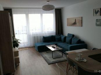 Novostavba -  zariadený 3i byt vrátane garážového státia a klimatizácie