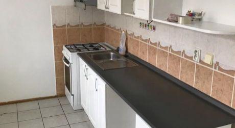 PREDAJ! čiastočne prerobený 2 izbový byt s balkónom na VII. sídlisku v Komárne