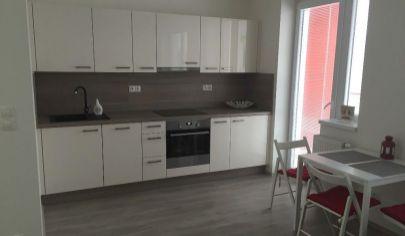 1,5 izbový byt v novostavbe s garážou na začiatku Petržalky
