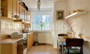 REZERVOVANÝ 2 izbový byt 62 m2, 1.p./3.p., kompletná rekonštrukcia, Prievidza, Svätoplukova