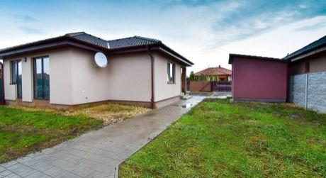 4 - izbový rodinný dom 98 m2, pozemok 561 m2   - Rajka
