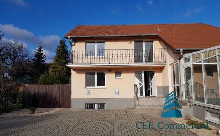 Kompletne zrekonštruovaný dom vhodný pre bývanie i podnikanie, BA-Ružinov