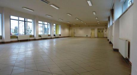 Na prenájom obchodný priestor, 264 m2, Dubnica n/V,ul.Obrancov mieru