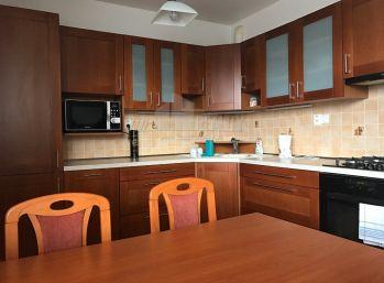 Priestranný 3 izbový zariadený byt - Muškát