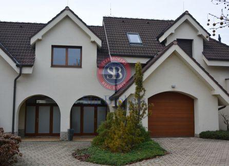 StarBrokers – Prenájom – Atraktívny 4- izbový rodinný dom v Devíne s jacuzzi