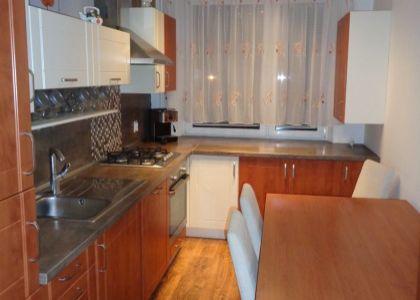 DOMUM - 4i byt 84m2 Nové Mesto n/V, ul. Tematínska, balkón, 2x komora, 3xpivnica