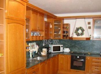 3 izbový byt s garážovým státím v Rovinke