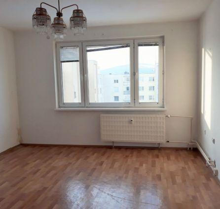 Na predaj 3 izbový byt s orientáciou na dve svetové strany + loggia - L. Novomeského - StarBrokers