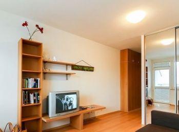 1 izbový zariadený byt v Rači
