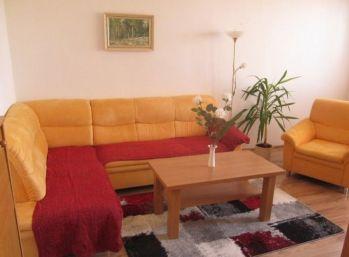 Slnečný 3 izbový byt v Dúbravke