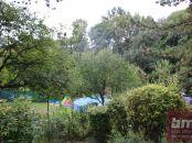 Predaj - pozemok Bernolákovo ( Sacky ) s celoročne obývateľnou chatou -
