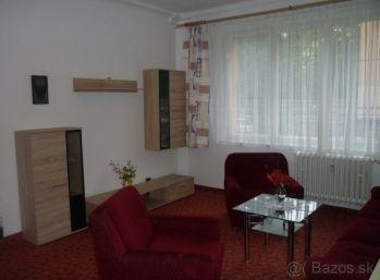 Veľký 1 izbový byt v Ružinove