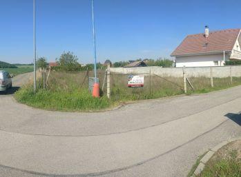 Stavebný pozemok pre rodinný dom Dvorníky