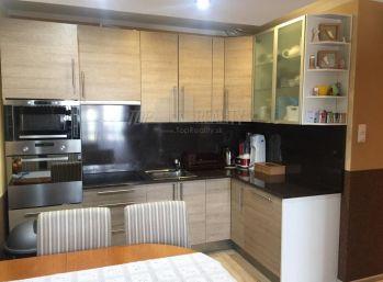 Klimatizovaný 3 izbový byt v Krasňanoch