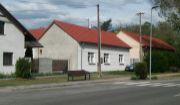 Dva rodinné domy na peknom pozemku v centre obce Plavecký Štvrtok!!!