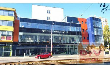 Prenájom: Račianska ulica, obchodné a kancelárske priestory, 3*141 m2 + 180 m2 sklad, parkovanie, možnosť prenájmu po častiach alebo spolu