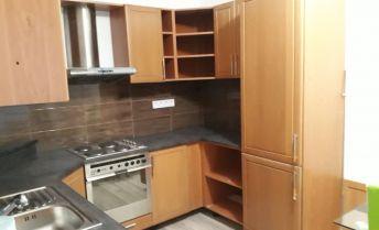 Prenájom 2 izb.bytu v novostavbe s výťahom a  výhľadom na Kalváriu.