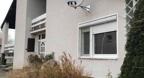 LEN U NÁS! Predaj - 5 izbový rodinný dom v Bátorových Kosihách