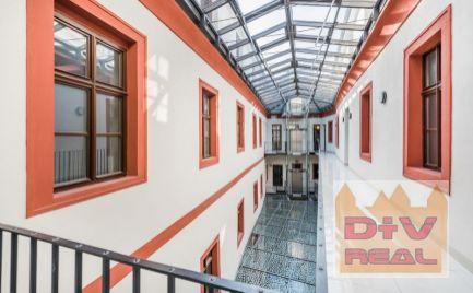 Prenájom: kancelárske priestory, Sedlárska ulica, Bratislava I, Staré mesto, otvorený priestor, možnosť rozdeliť, orientované do dvora, reprezentatívne, výťah