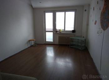 2-i byt 55 m2 – super LACNÝ byt, BALKÓN, V ZACHOVALOM STAVE
