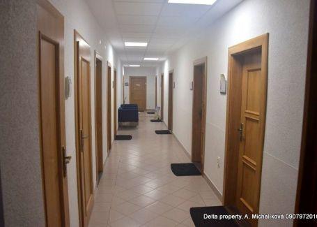 DELTA - Kancelárske priestory na námestí v Poprade