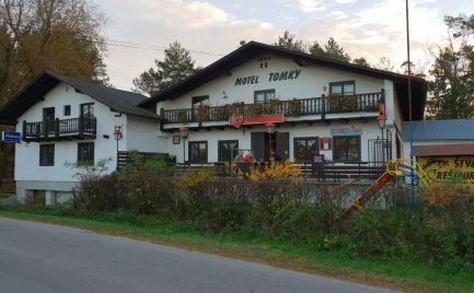 Predáme štýlový motel s reštauráciou a kolibou v rekreačnej oblasti Tomky, časť Borský Svätý Jur.