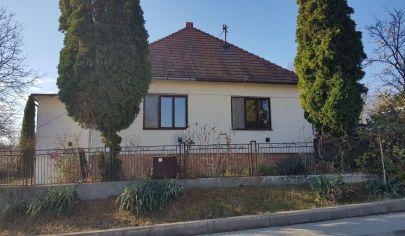 Nemčiňany, rodinný dom, pozemok 980 m2, okr. Zlaté Moravce