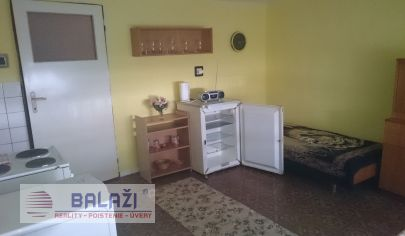 Sľažany,6 izbový rodinný dom, pozmok okres Zlaté Moravce