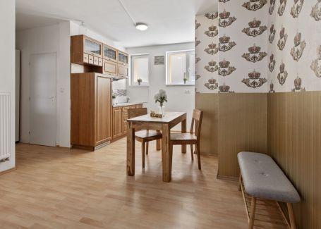 DELTA - 2 izbový byt s vysokými stropmi a krbom na predaj
