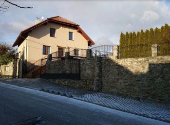 Novostavba 4 izb. rodinného domu v Budmericiach na 710 m2 pozemku