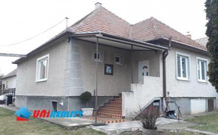 Okres NITRA / obec HRUBOŇOVO / 3 – izbový RD / GARÁŽ / čiastočná rekonštrukcia / pozemok 832 m2