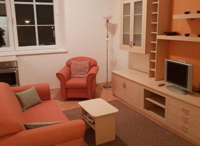 Ponúkame Vám na prenájom 2 izbový byt Bratislava, Prievozská ul.