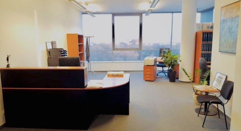 Na prenájom atraktívne kancelárske priestory v administratívnej budove RAVAK BC, Einsteinová 11, začiatok Petržalky, Bratislava V.